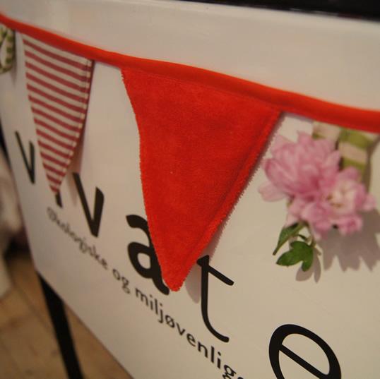 vivatex Gadeskilt med røde vimpler